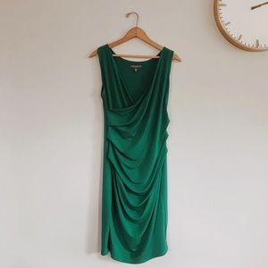 Ruched sleeveless green maternity dress